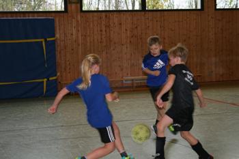 images/faecher/sport/weihnachtsturniere/nikolaus_spiel_gr.jpg