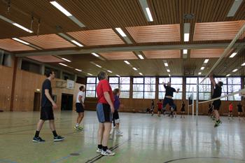 images/faecher/sport/weihnachtsturniere/volleyball_spiel1_gr.jpg