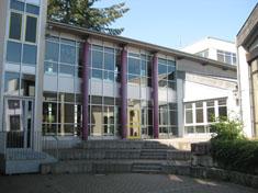 images/schule/rundgang/hinterhof_gr.jpg